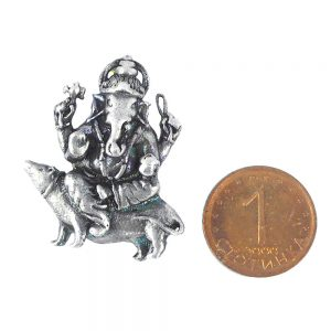 медальон ганеша върху плъх