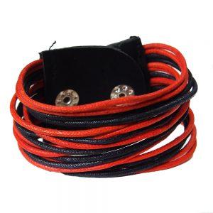 гривна от червен шнур