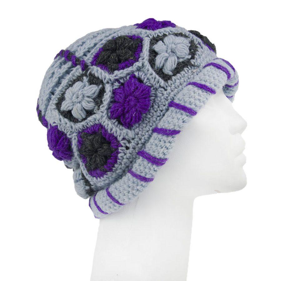 топла вълнена шапка за зима