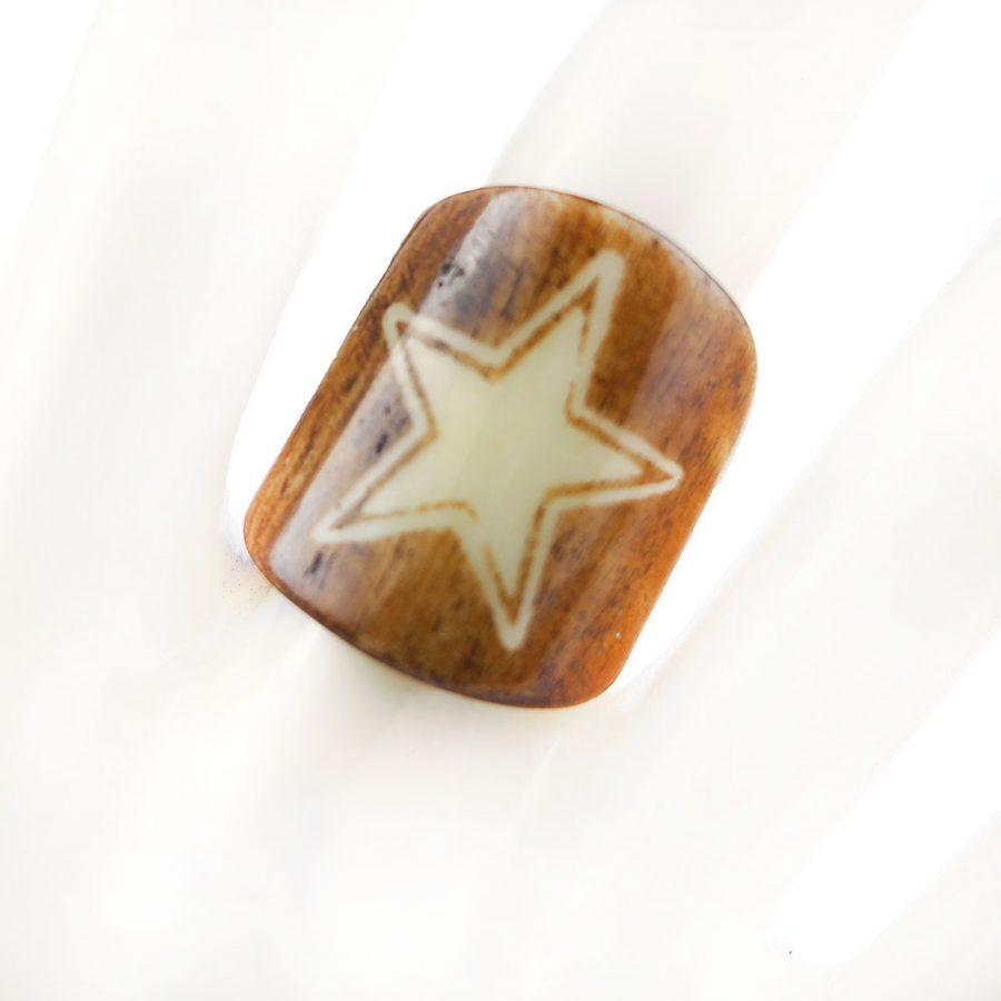 пръстен от кост със звезда